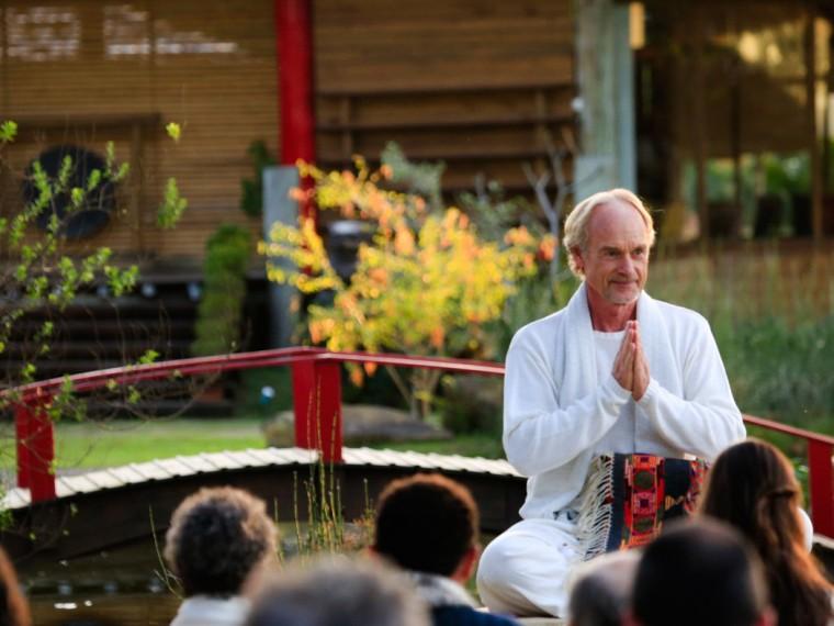 Sitting-in-the-Garden-28.08.15Kinza-2
